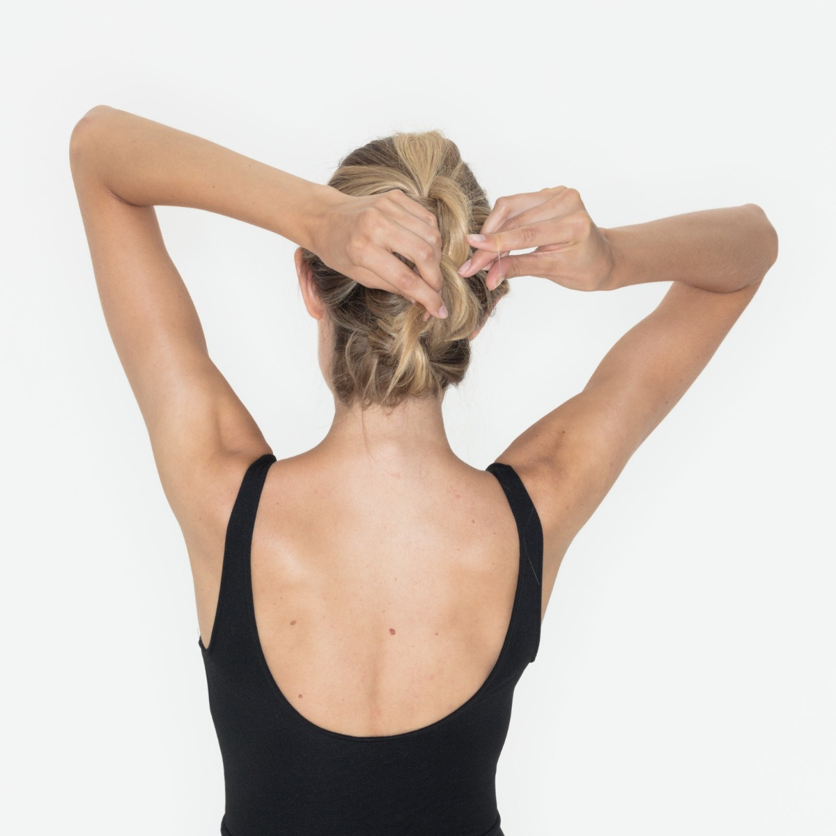 Knotted-Up Look: Step Six